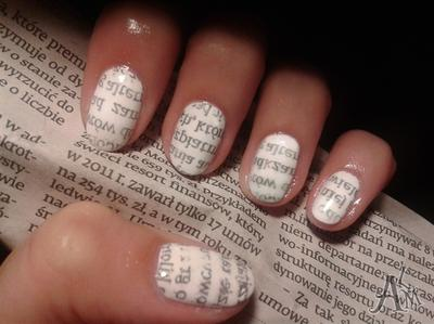 Beautiful nail art from news paper